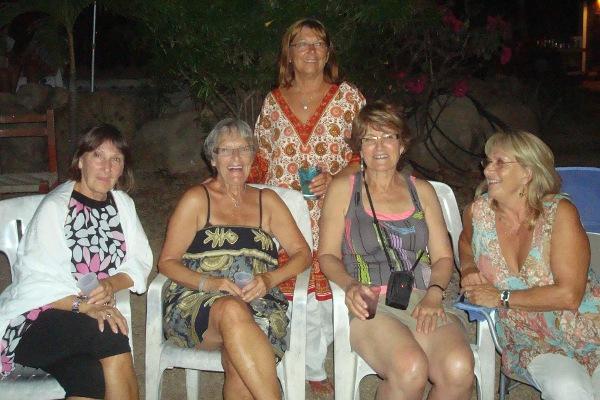 Les amies au party chez Carole et Briand
